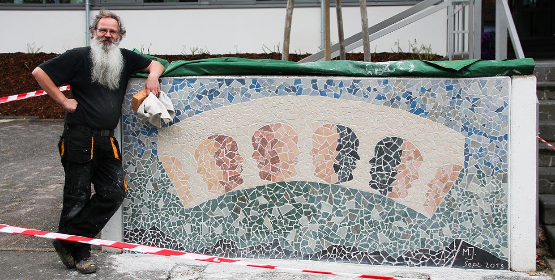 Martinus Janssen mit Mosaik